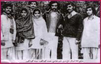 Shaheed Nazir Abbasi and Hameeda Gangaro with friends
