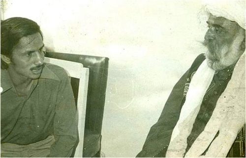 Mujahid Barelvi with Marri in a meeting that took place shortly before his death