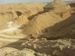Lifting sand_Malir River 1