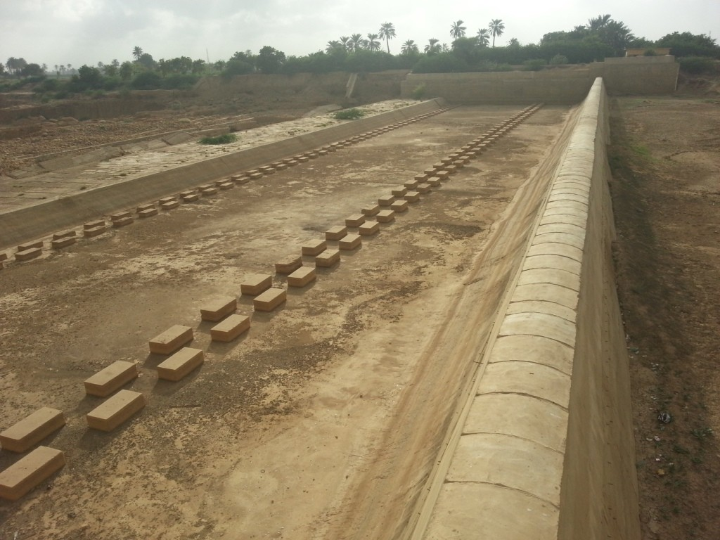 Lifting of sand, gravel from Malir River affects district's waterbed