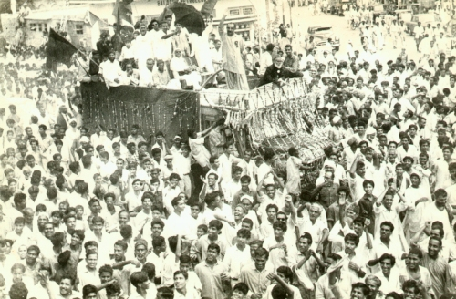 Mir Rasool Baksh Talpur with Miss Jinnah at a political rally.