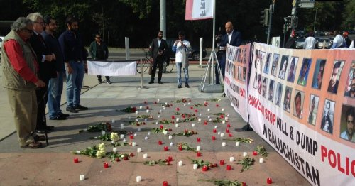 ryszard-czarnecki-attended-a-silent-vigil-with-baloch-leaders
