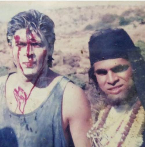 Shah Rukh Khan with Gosu Makrani during the shoot of Trimurti in 1994